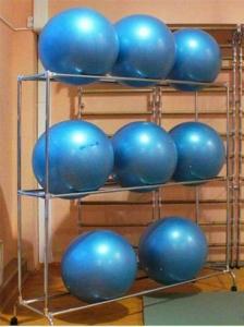 Стеллаж для гимнастических мячей на 9,12,16 шт.