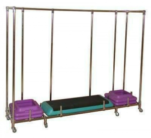 Мобильная стойка для хранения степ платформ